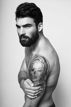 Beard n ink Dimitris Alexandrou is one of the hottest full bearded men out there. He never ceases to amaze me with his gorgeous looks.