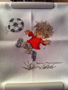 Karen stitched this little footballer project which we featured in our issue 202, designed by #LilioftheValley - he's so sweet!