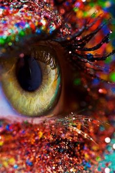 glitter eyes glitter eyes glitter eyes