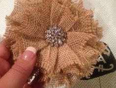 burlap flowers | Burlap flowers | crafts  Visit & Like our Facebook page! https://www.facebook.com/pages/Rustic-Farmhouse-Decor/636679889706127