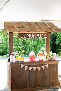 Adorable Lemonade Stand Set-up at a #KidsParty - projectjunior.com