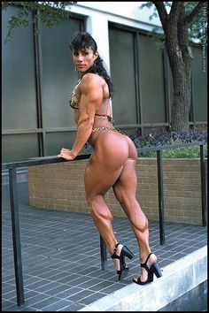 Female Bodybuilder Annie Rivieccio posing her amazing glutes and great legs for WPWMAX!