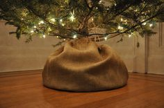 Burlap wrap for your Christmas tree! Primitive and cute! For the entry tree?