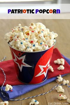 Patriotic Popcorn for 4th of July - http://www.pincookie.com/patriotic-popcorn-for-4th-of-july/