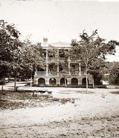 Beaufort, South Carolina. Robert Barnwell Rhett's residence. It was created between 1861 and 1865.