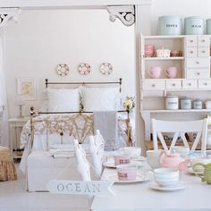 coastal cottage | ... . This is decoupaged, and what a gorgeous shabby cottage chic colors