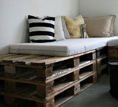 DIY - Pallet sofa.You can even store games, books, and magazine inside.