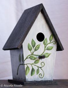Birdhouse painting on pinterest painted birdhouses - Bird house painting ideas ...