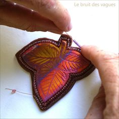 LeBruitDesVagues tutorial in French.  How to frame a PC piece in beads. #Polymer #Clay #Tutorials
