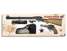 The Edison Texas Ranger Gift Set is two 8 shot cap guns with holster that is perfect for children and adults to play with. This model comes complete in a display box. The Edison 8 shot superdisc caps are suitable for use with this model.