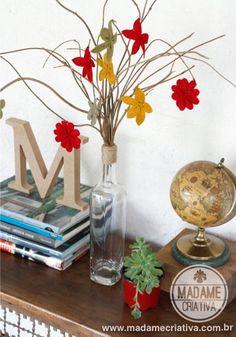 Como fazer flores de Feltro - Dicas e passo a passo com fotos - DIY - Tutorial - How to make felt flowers - Madame Criativa - www.madamecria...