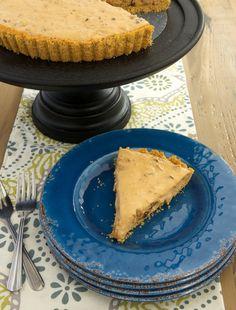 Rich dulce de leche, sweet dates, and crunchy pecans combine to make this fantastic Dulce de Leche Date Cream Pie. Such amazing flavor! - Bake or Break