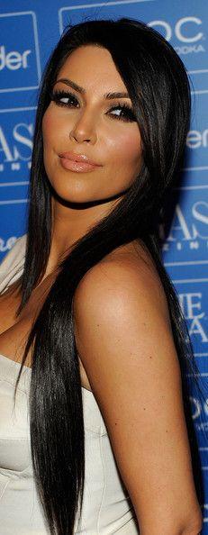 long dark hair + pretty makeup!