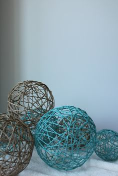 diy paper mache yarn balls I wanna do these 2! Decoration for mi casa