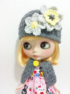 Crochet Gray and Yellow Hat for Blythe With Flowers by HandmadebyCJ