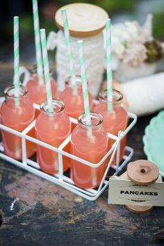 Rustic chic bridal shower | Photo by Elisabetta Marzetti | Read more - http://www.100layercake.com/blog/?p=70323