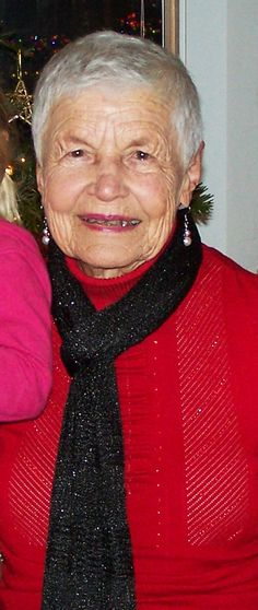 #babyboomers #seniors - How to live a long and healthy life - lessons from Ginnie Wilder - in this photo she's 90, but now she's 91 years old - CLICK TO READ at http://boomerinas.com/2012/12/how-to-live-a-longer-healthier-life-lessons-from-90-year-old-ginny-wilder/