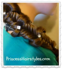 Fishtail braid with bows. Back to school hairstyle idea!