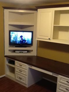 quilt room makeover (clever corner-shelf over a counter-top bench for the TV!)