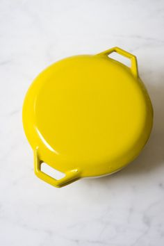 Vintage Yellow Dutch Oven.