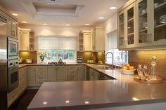 Jeff Lewis kitchen...glass backsplash?