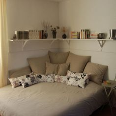 Corner Bed Design Ideas, Pictures, Remodel, and Decor - page 7
