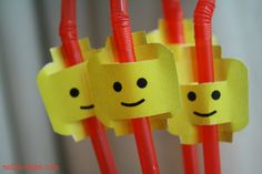 Lego Head Straws. #LegoDuploParty