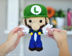 my boys would love this!!! Free pattern just change the color for Mario! gotta make this!