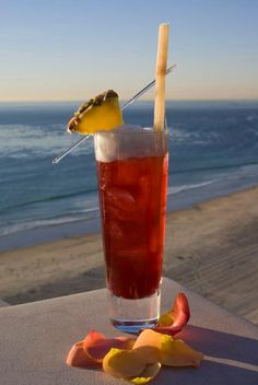 Top 10 beach cocktails.