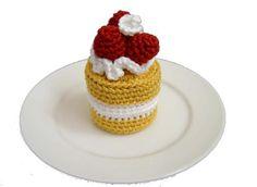Strawberry Sponge Cake - Free Pattern strawberry cakes, crochet food, strawberri spongecak, free crochet, crochet free patterns, strawberry shortcake, sponge cake, crochet patterns, whipped cream