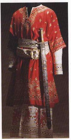 13th? century Italian men's dress (style looks more like 12th century to me, but the website where I found it implied 13th century, and I don't know much about Italian styles of either period)