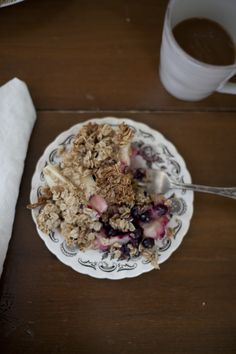 Recipe | Healthy Apple Blueberry Crisp - a daily something
