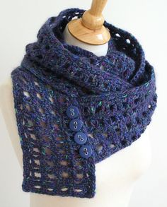 infinity scarf pattern with buttons.
