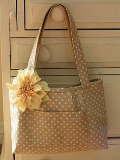 this is a cute bag--reversible