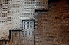 MEDIR ARCHITETTI - Roberto Ianigro e Valentina Ricciuti — AM_60 screen, interior, detail, stair, medir architetti, am60, hous, stones, stone wall