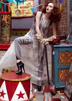 model, circus theme, vogue italia, steven meisel, fashion art, karen elson, fashion editorials, beauty, photo shoots