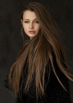 The Queen by SvetLana Nova