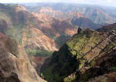"""Kauai."" (From: 30 Beautiful Photos of the Hawaiian Islands)"