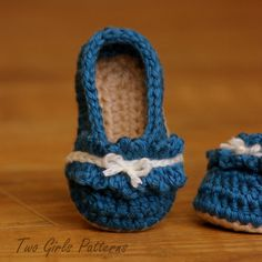 Ruffle Ballet Flat Crochet Pattern for Baby by TwoGirlsPatterns, $5.50  omg sooooo cute!