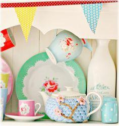 crochet / Coco Rose Diaries / adorable tea cosy