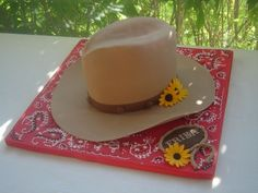 Cowgirl hat By springlakecake on CakeCentral.com