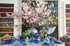 Carolyne Roehm table settings, blue tablescap, spring dinner, ginger jars, carolyn roehm, floral, flower, tabl set, cherry blossoms