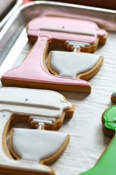 kitchenaid cookies! I'm kind of obsessed with these! They are DARLING! kitchen aid, cooki deb, food, kitchenaid stand, kitchenaid cooki, cookies, bake parti, dessert, decor cooki