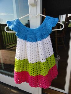 Toddler Pinafore - I love the color combo and summer appeal #toddler #crochet