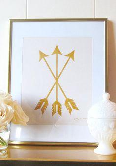 Golden arrow print. i'm in love!