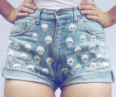 VINTAGE LA LUNE - Skull painted high waist denim shorts