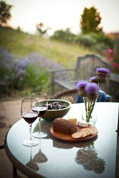 snack, enjoy wine