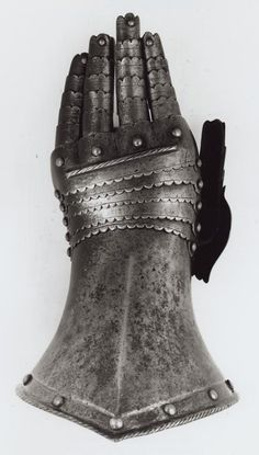 European    Fingered Gauntlet for the Left Hand, 19th century in 16th century style    Steel  - Art Institute of Chicago