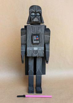 Amanda Visell y sus muñecos de madera de Star Wars