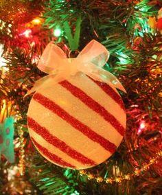 Christmas ornament using Silhouette Glitter
